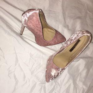 Light pink pumps!